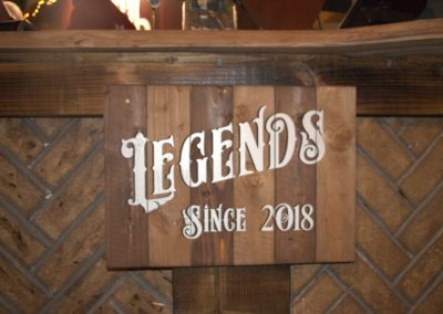 Legends-sign
